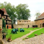 Wasserburg Liebstedt, Burghof