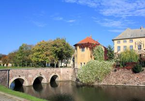 Wasserburg Ostrau, Schlossbrücke