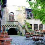 Rudelsburg, Burghof