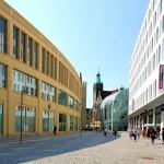 Blick vom Düsseldorfer Platz zum Neuen Rathaus