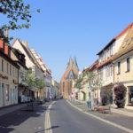 Breite Straße mit Stadtkirche