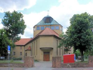 Halle/Saale, Kath. Pfarr- und Franziskaner-Klosterkirche Zur Heiligen Dreieinigkeit