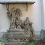 Püchau, Friedhofskapelle, Grabmal von Bünau