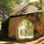 Sachsenburg, Ev. Pfarrkirche, Friedhofstor