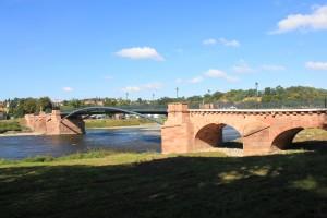 Die Pöppelmannbrücke in Grimma, 202 beim Muldehochwasser zerstört und modern ergänzt