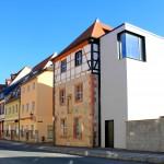 Mittelalter trifft Moderne, gotischer Wohnturm mit modernem Anbau in Grimma