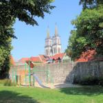Zwingermauer und Stadtkirche in Oschatz