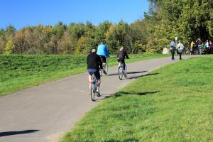 Radfahrer am Cospudener See