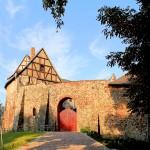 Burg Roßlau, nachträglich eingefügtes Burgtor