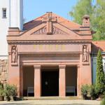 Burgstädt, Friedhofskapelle, Portikus
