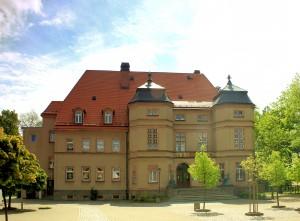 Schloss Cavertitz, Hofseite