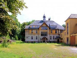 Elbisbach, Wirtschaftliche Landfrauenschule, Hauptgebäude