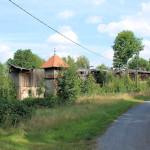 Rittergut Kleinwaltersdorf, Trafohaus und ruinöse Scheune