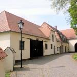 Rittergut Lampertswalde, Wirtschaftsgebäude am Torhaus