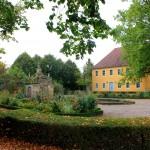 Rittergut Oßmannstedt (Wielandgut), Garten und Ostflügel
