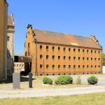 Schloss Lichtenburg Prettin, Gefängnisbau