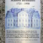 Erinnerungstafel im Gutshof
