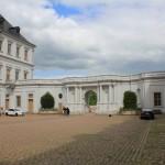 Schloss Neu-Augustusburg, Schlosshof nach Osten