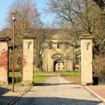 Schloss Schönwölkau, Zufahrt