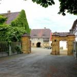 Gutshof Wolfshain, Zufahrt