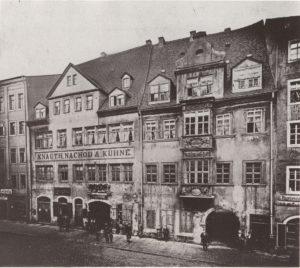 Gasthof Zu den drey Schwanen (links) 1870