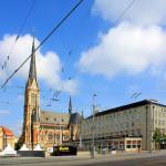 Theaterplatz mit Petrikirche und Hotel Chemnitzer Hof