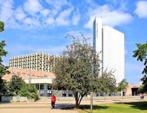 Stadthalle Chemnitz und Hotel Merkur