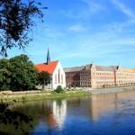Grimma, Blick über die MUlde zur Augustinerkirche und zum Gymnasium St. Augustin