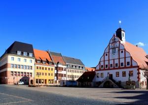 Grimma, Marktplatz mit Rathaus