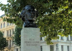 Denkmal für Felix-Mendelssohn-Bartholdy am Pleißemühlgraben