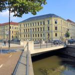 Pleißemühlgraben und Landgericht am Simsonplatz