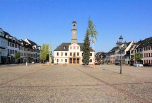 Marktplatz und Rathaus in Rochlitz