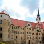 Schloss Hartenfels, Eingangsflügel
