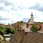 Blick über die Dächer der Altstadt zur Wenceslaikirche
