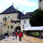 Burg Elbogen (Loket), Burgtor