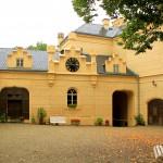 Schloss Chiesch (Chyse), Schlosshof