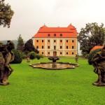 Waltsch (Valec), Schloss und Park