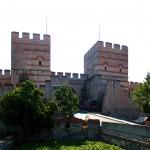 Landmauer, Stadttor