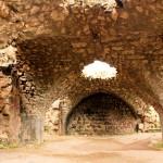 Toprakkale, Gewölbe in der Vorburg