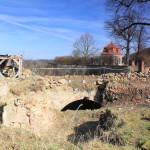 Ruine der Brücke zum Schloss Döben